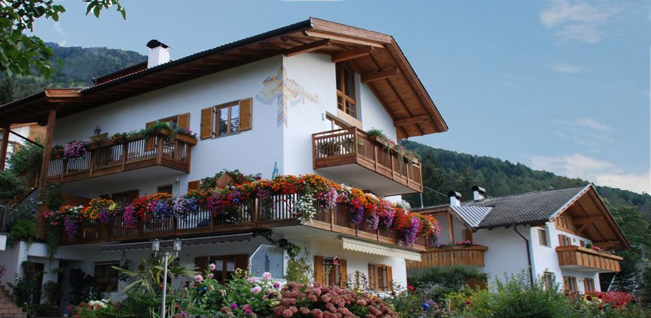 Appartments Haus Waldfrieden | Dorf Tirol